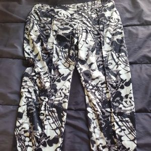 women size  black/white/gray design pants